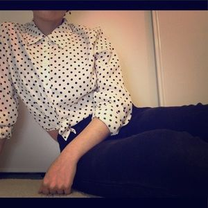 ✨Forever 21✨ Polka-dot button down top